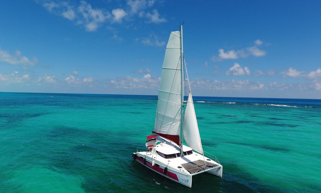 38 ft Fountain Cruising Catamaran